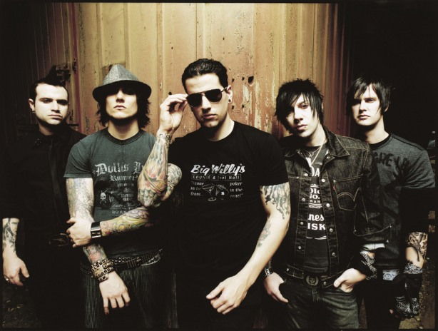 Avenged Sevenfold will play a free show at HP Pavillion and tour in 2011.